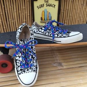 Converse All Star Canvas Low Top Sneakers Size 6